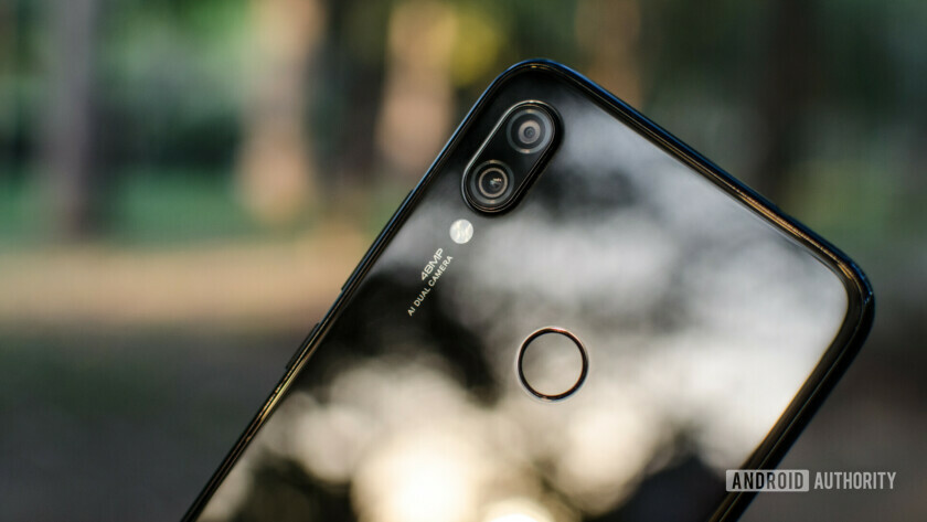 The Redmi Note 7 Pro with its 48MP camera.