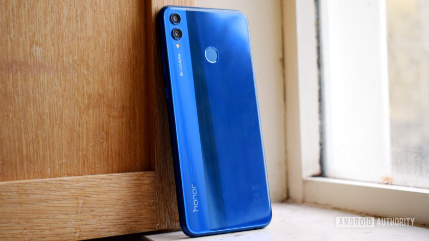 The back of the Honor 8X.
