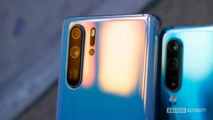 Huawei P30 Pro camera array with glare