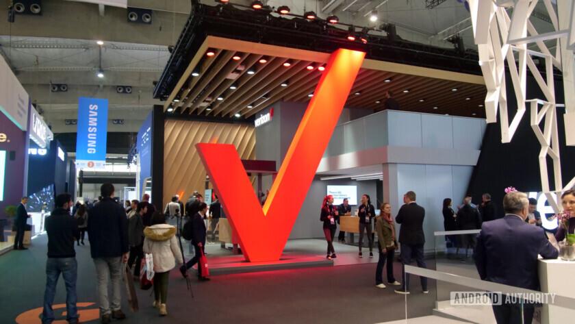 verizon big red v logo at mwc 2019 Verizon Just Kids