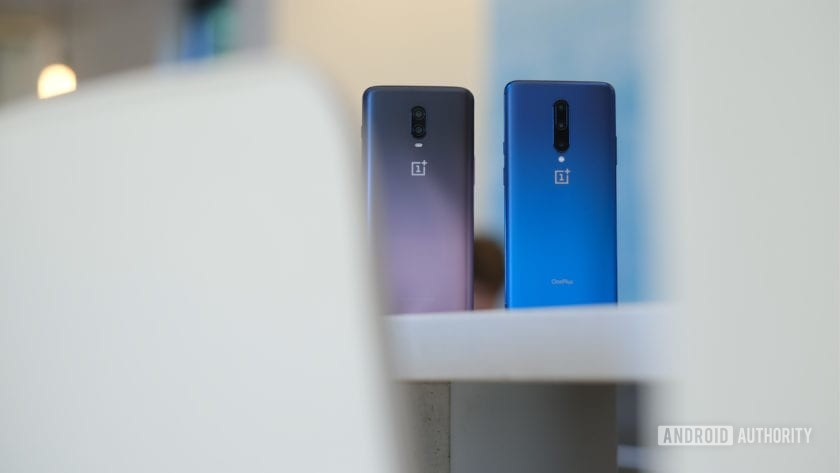 OnePlus 7 Pro vs OnePlus 6T backs on tables