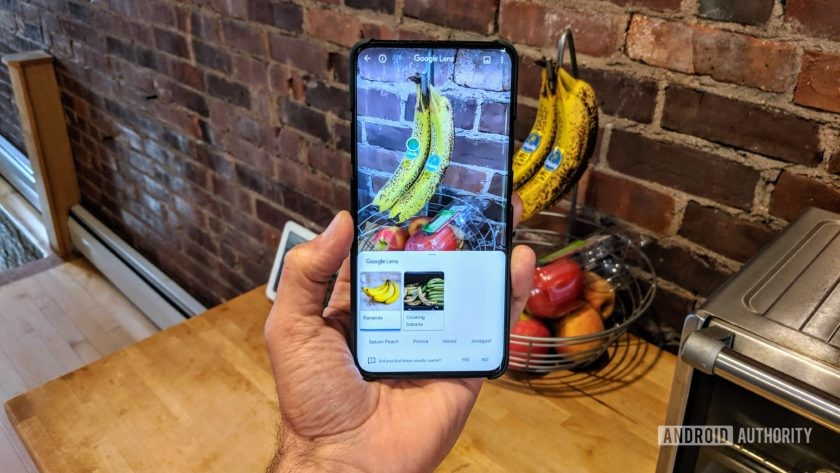 Using Google Lens to identify a bunch of bananas as seen on the camera of the OnePlus 7 Pro.