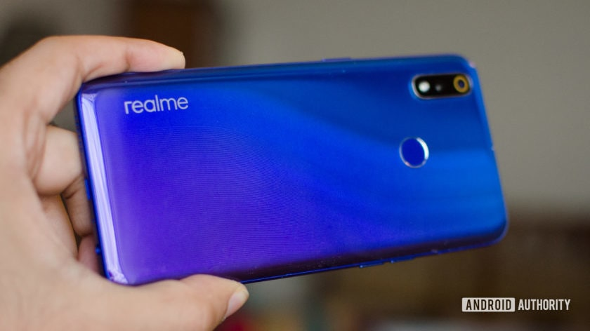 Realme 3 Pro showing back and S lines