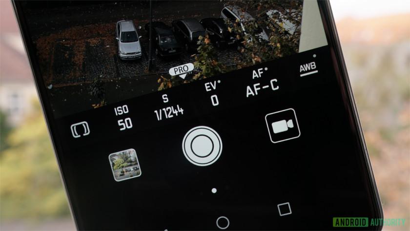 Huawei Mate 10 Pro camera manual controls