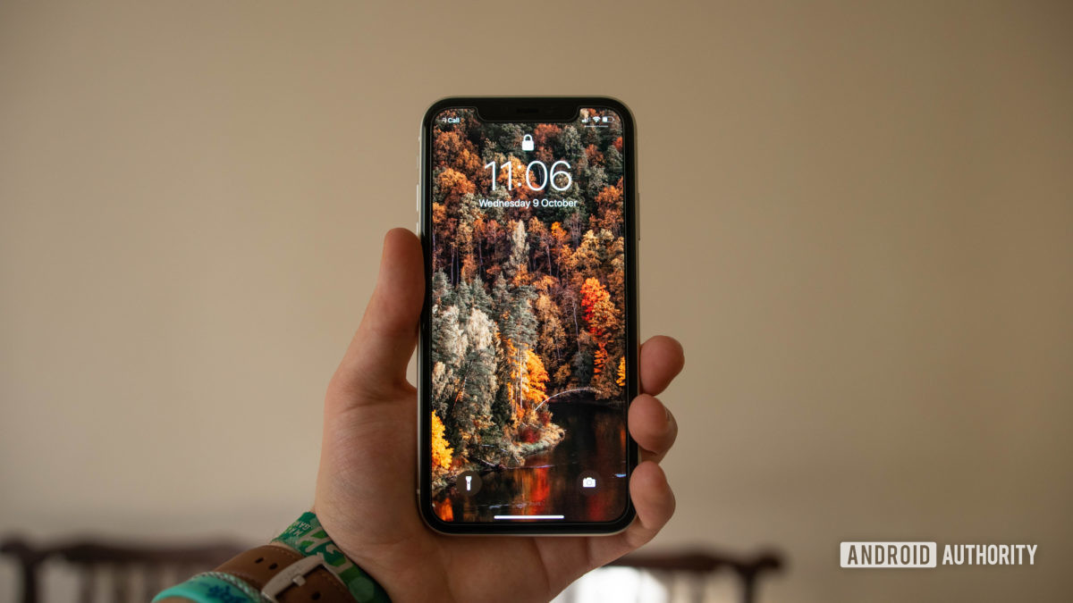 apple iphone 11 front in hand