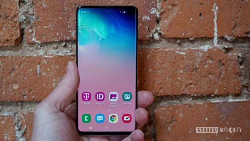 A Samsung Galaxy S10 flaw means you should be wary of third-party screen protectors.