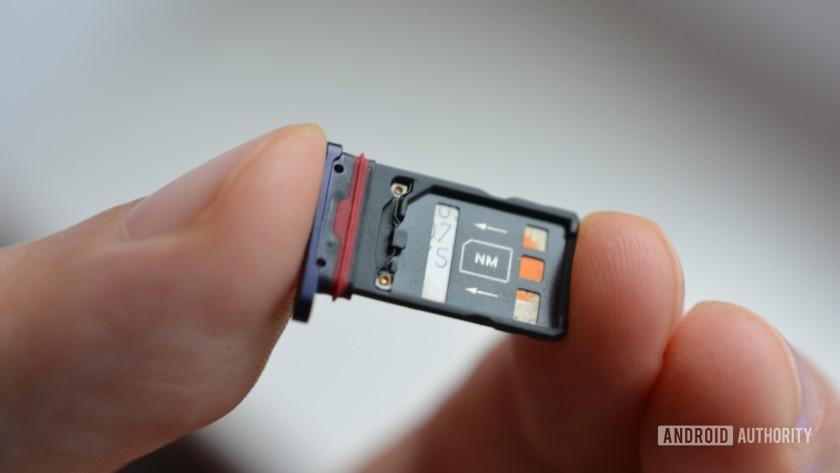 Huawei mate 20 Pro - Nano Memory card in the SIM tray slot.