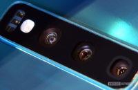 Samsung Galaxy S10 camera lenses close up