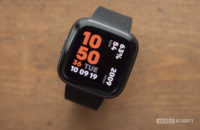 fitbit versa 2 review display watch face 2
