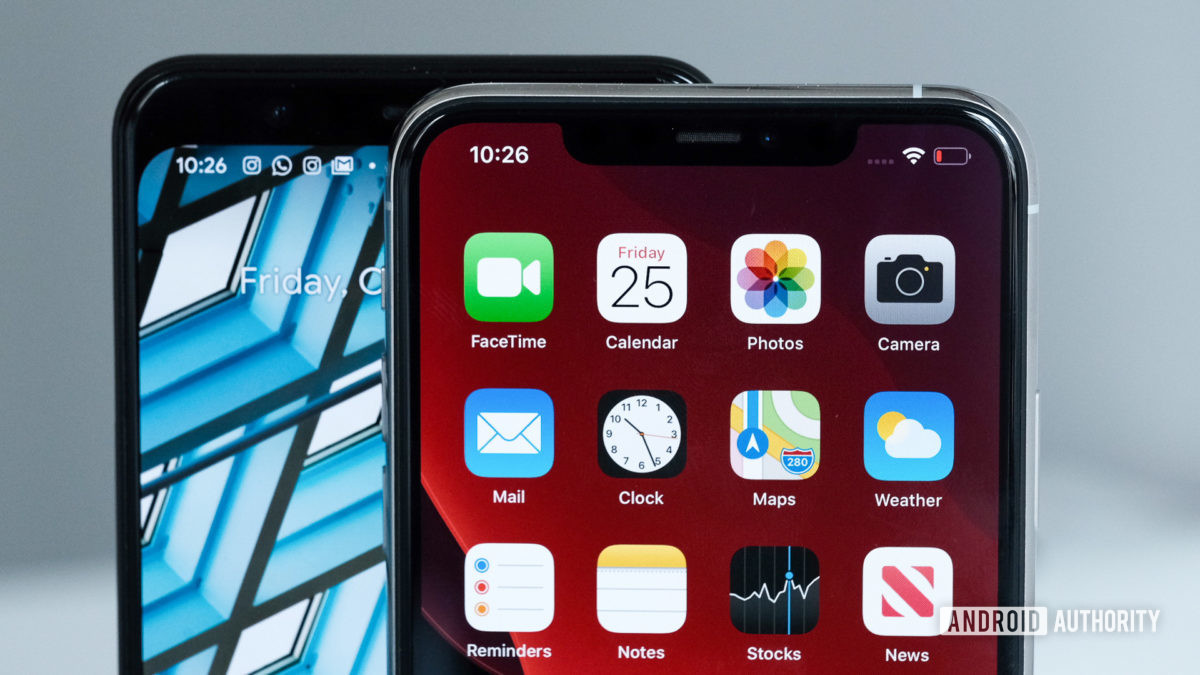 Pixel 4 XL vs iPhone 11 Pro Max notch vs forhead