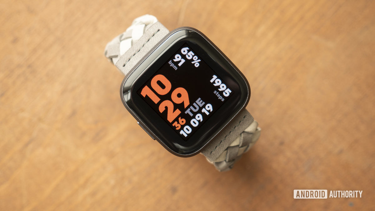 fitbit versa 2 review display watch face 10