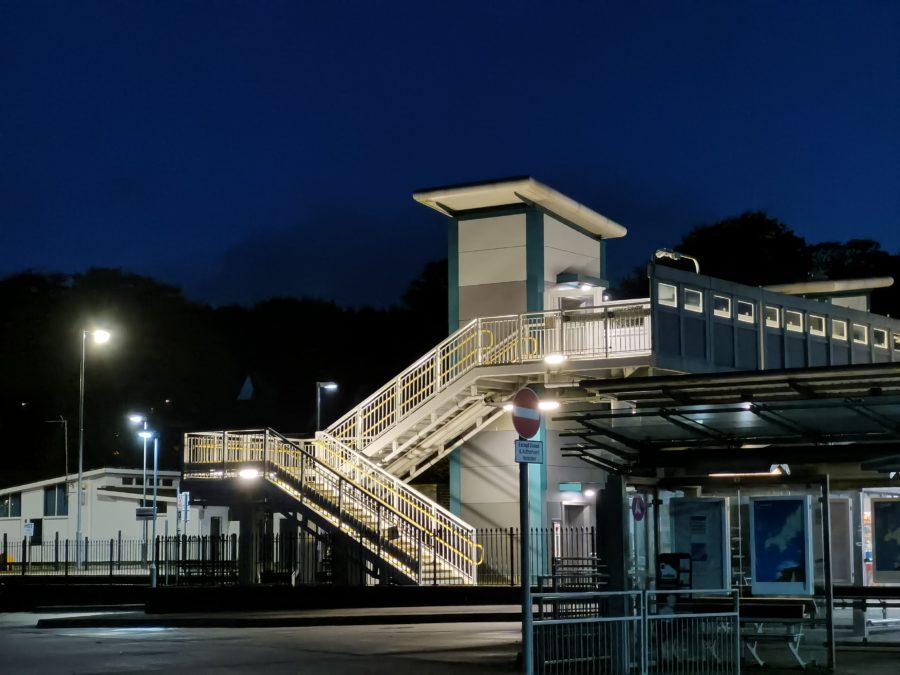 Huawei Mate 30 Pro Camera test Night shot 3x zoom of train station bridge