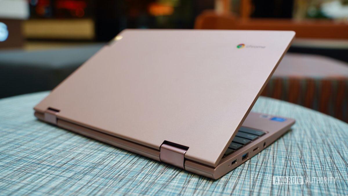 Lenovo Chromebook C340 review open lid