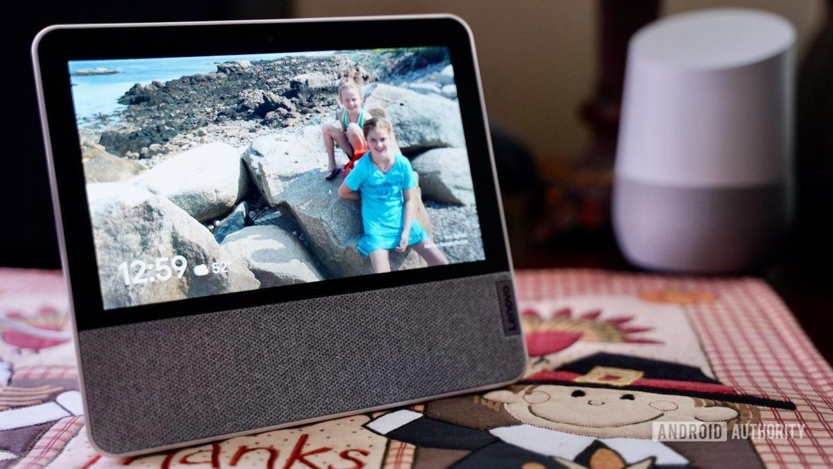Lenovo Smart Display 7 review more photo frame