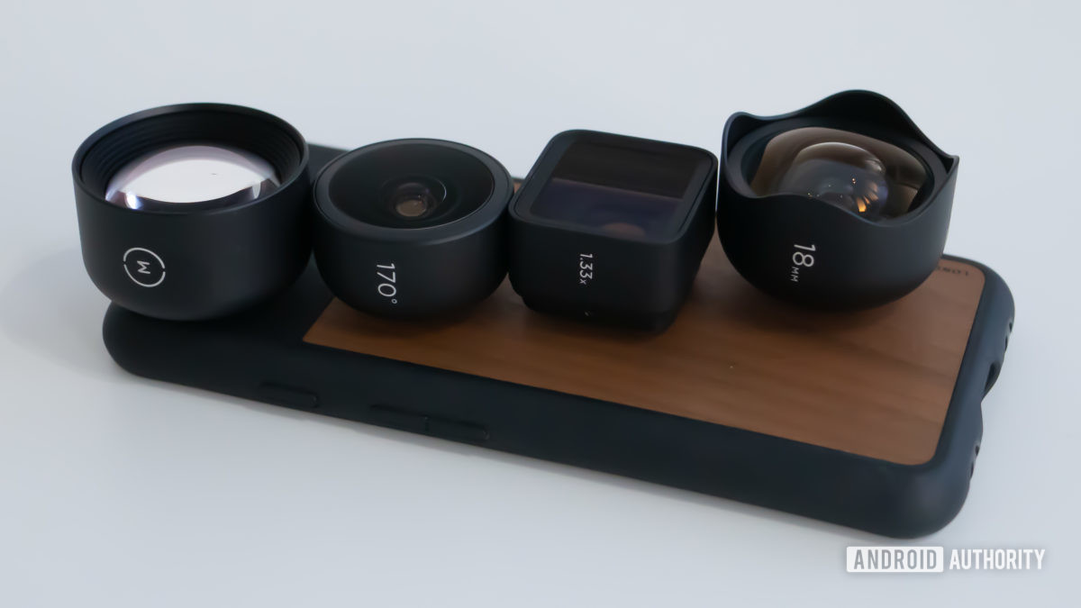 Moment lenses and case