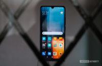 Xiaomi Mi Note 10 screen behind glass