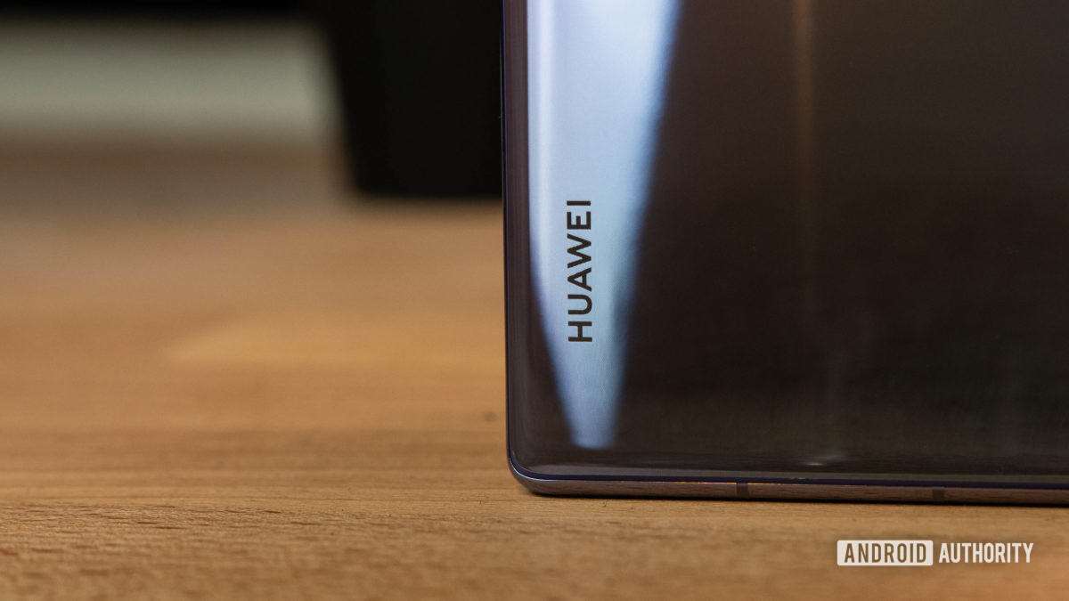 Huawei Mate 30 Pro Huawei Logo