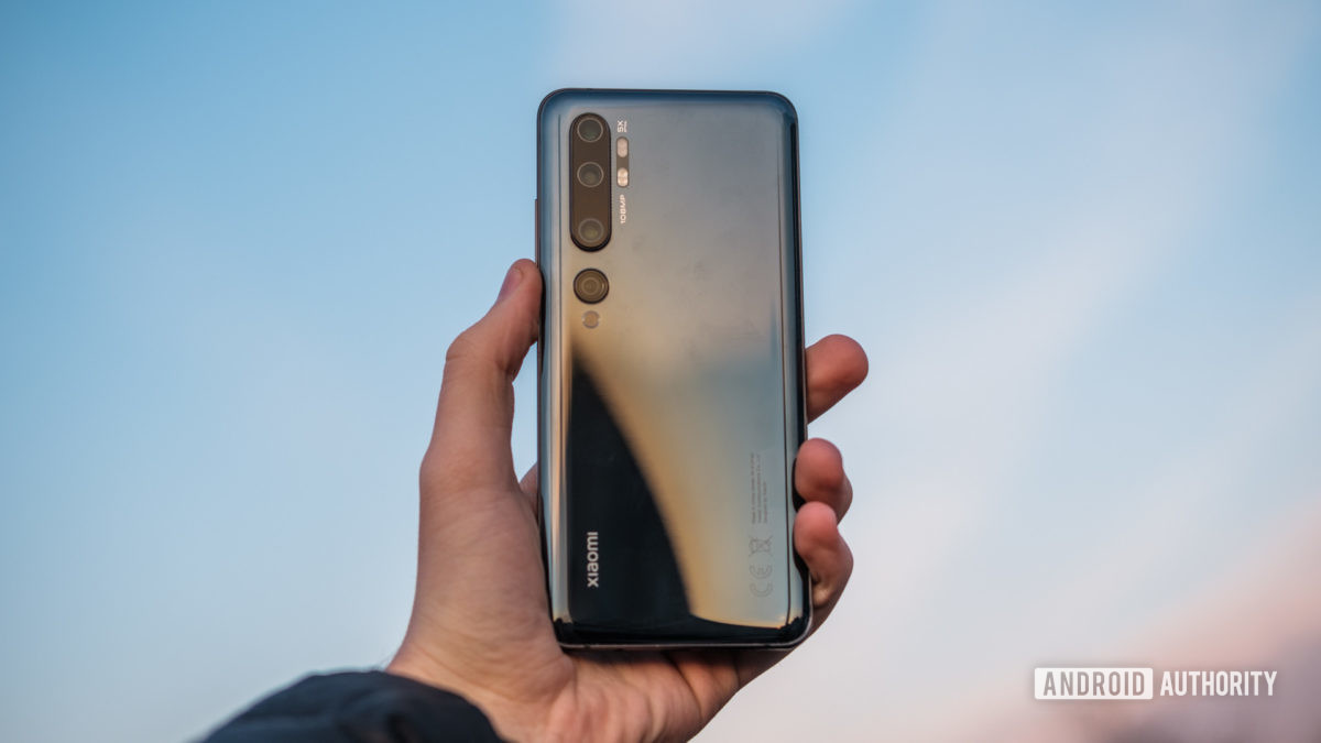 Xiaomi Mi Note 10 in hand outside