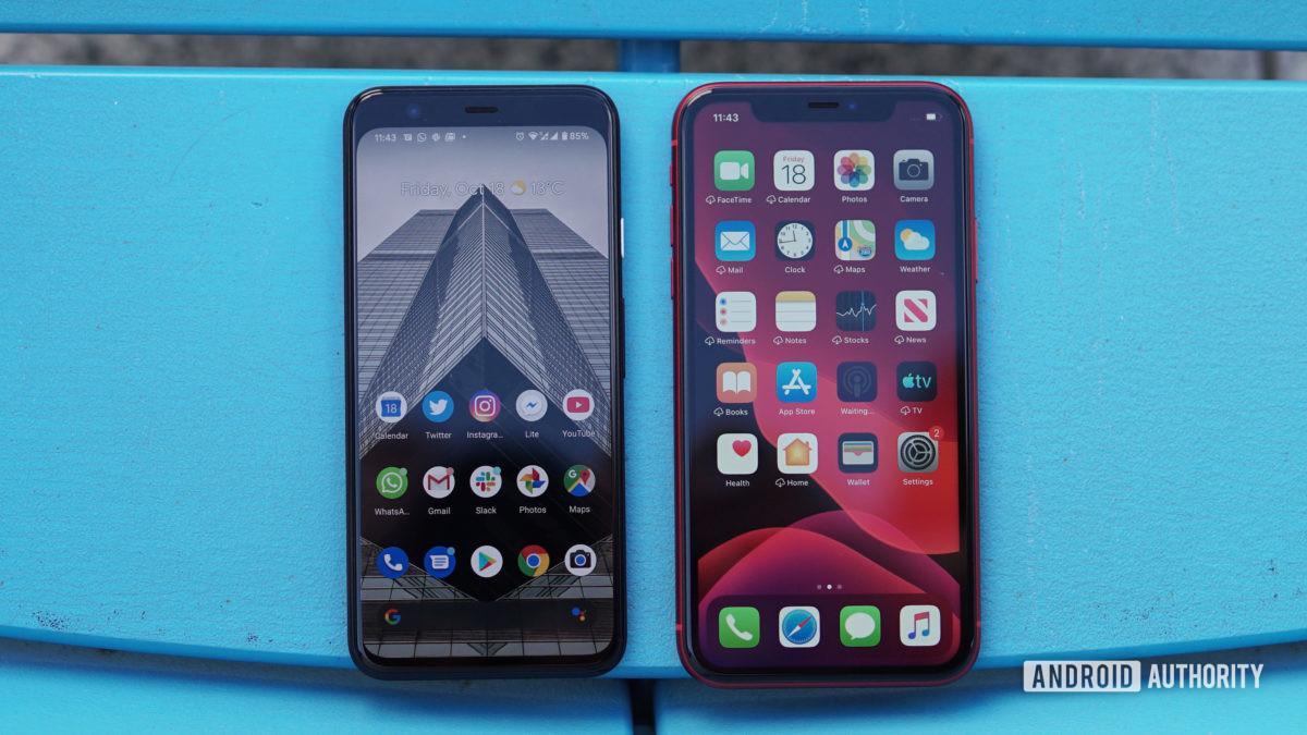 Google Pixel 4 vs iPhone 11 home screen