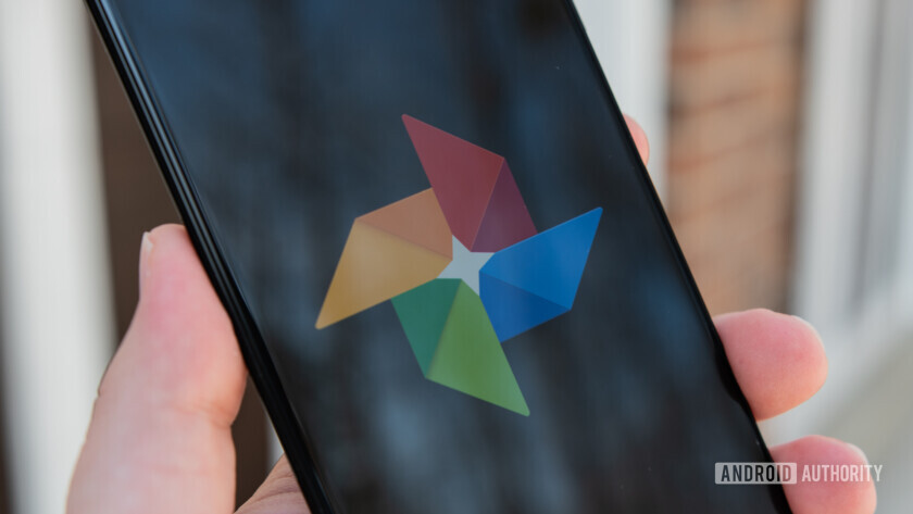 Facebook now lets users transfer photos and videos to Google Photos.