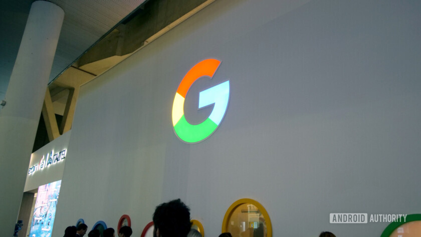 google logo big g at mwc 2019