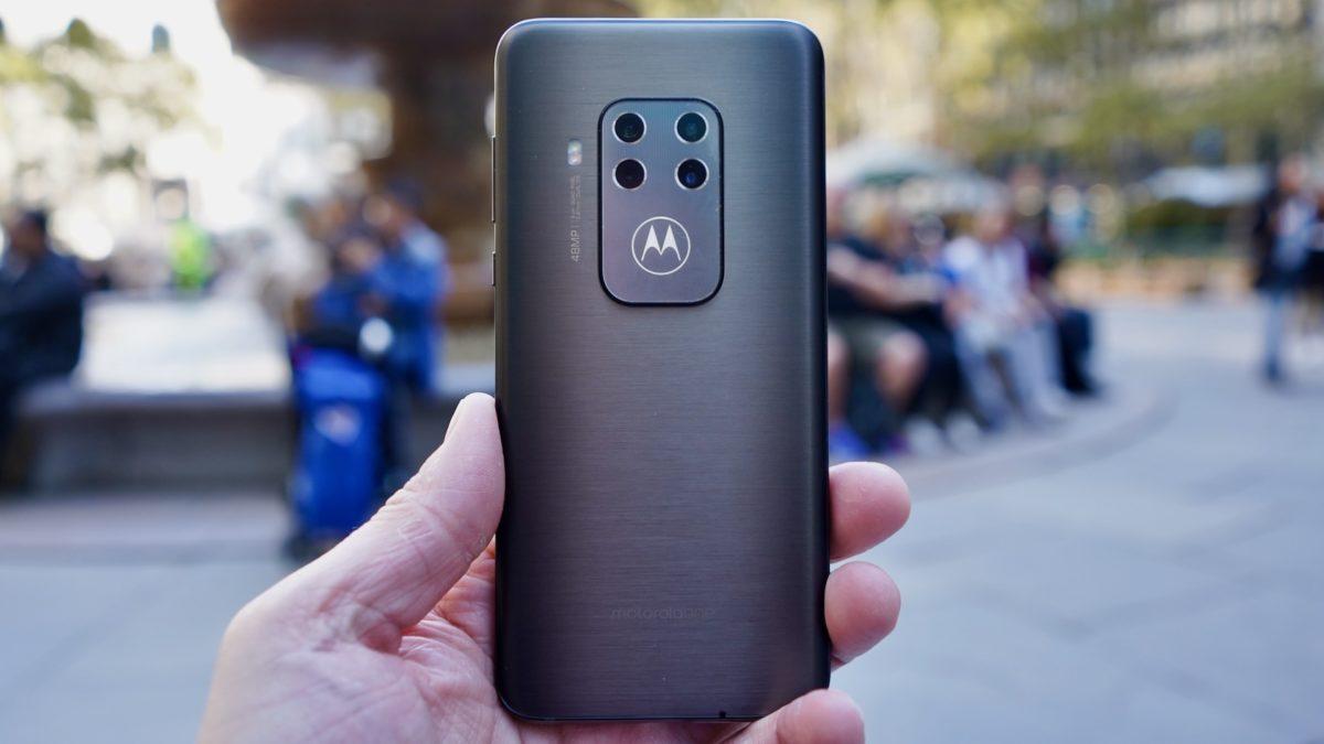 Motorola One Zoom review rear panel