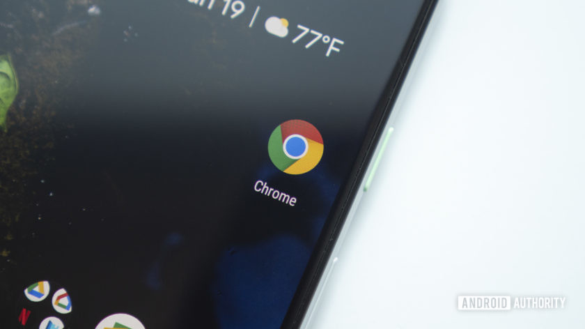 Google chrome app icon on the google pixel 3