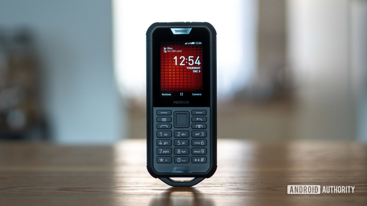 Nokia 800 Tough review display and keypad