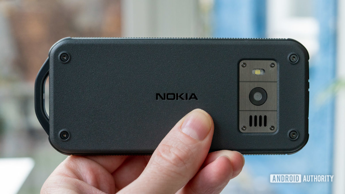 Nokia 800 Tough review back panel in hand