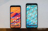 Google Pixel 4 vs Google Pixel 4 XL home screen