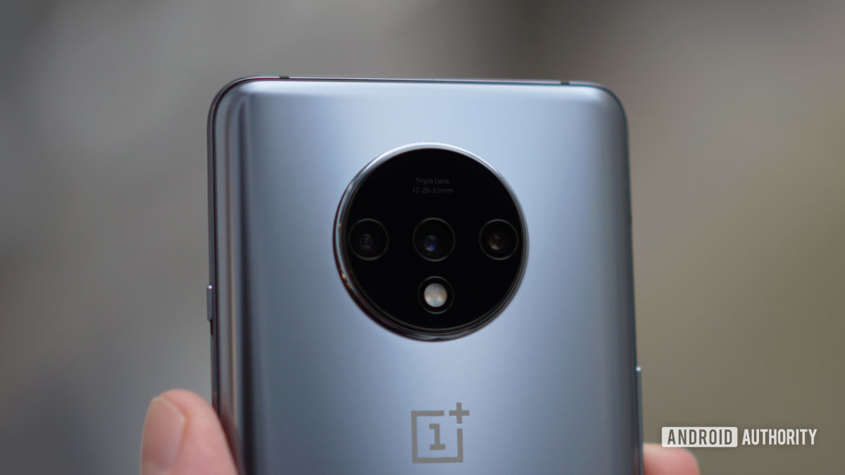 OnePlus 7T camera detail 1 frosted silver