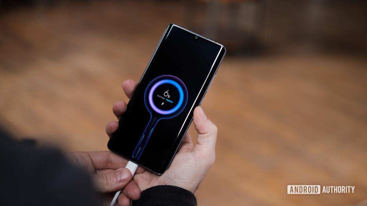 smartphone battery drain fast fix - charging a xiaomi mi note 10