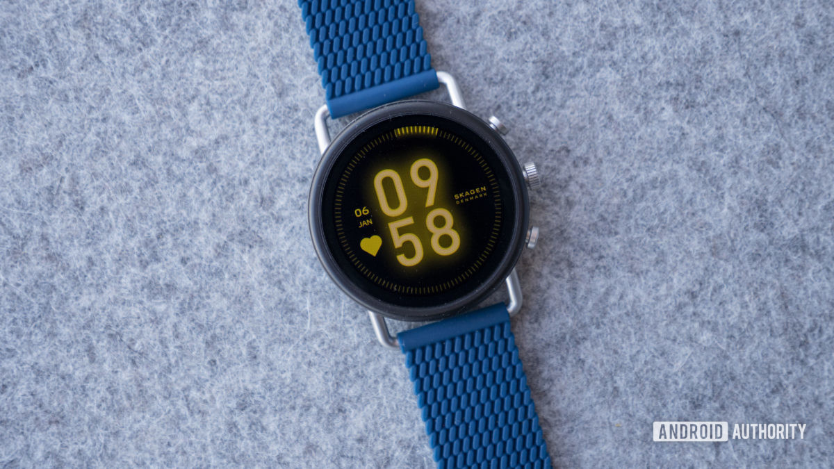 skagen falster 3 blue silicone mesh on table 3