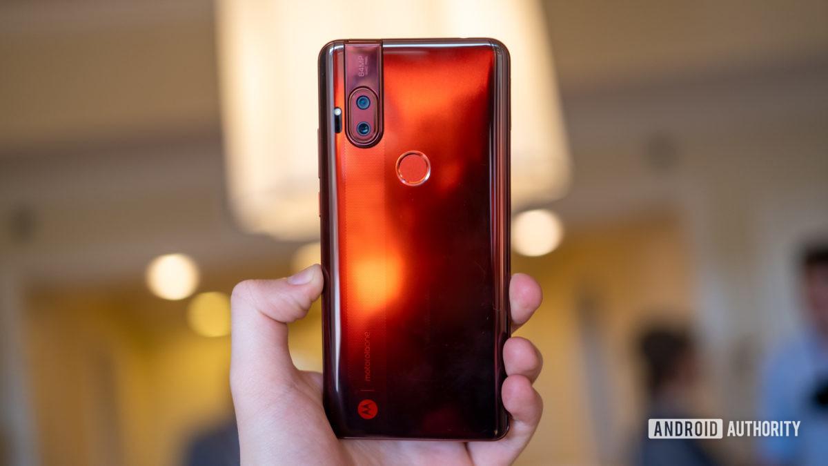 Motorola Moto One Hyper amber in hand 2