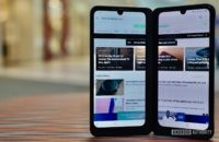 LG G8X ThinQ Review standing with wide view browser