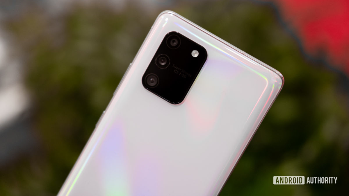 Samsung Galaxy S10 Lite angled back